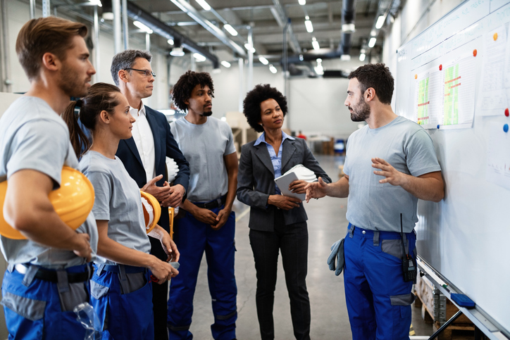 manufacturing leader encouraging employee attendance